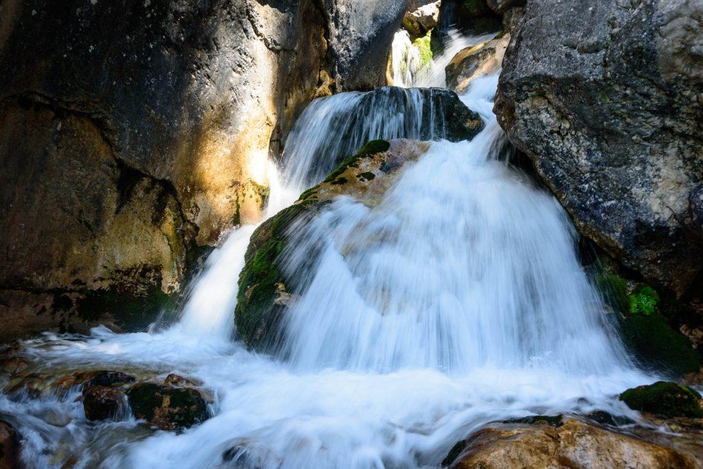 Montagna 2000 S.p.A. valore all'acqua